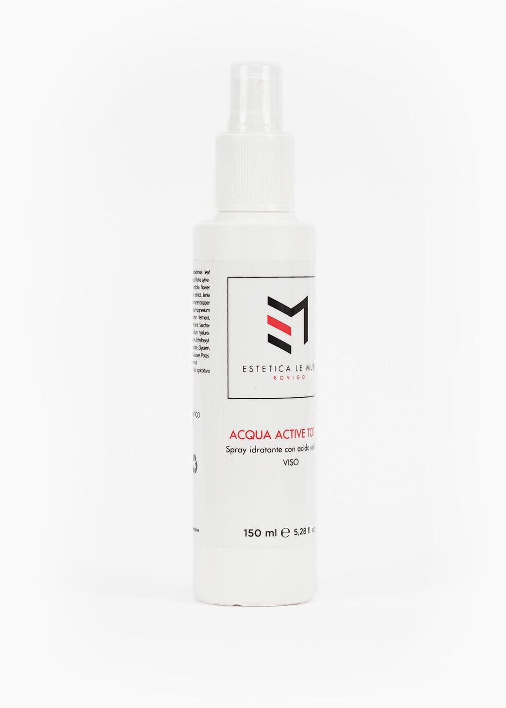 Riequilibria il ph dopo la detersione e prepara la pelle ai prodotti successivi, idrata e tonifica.